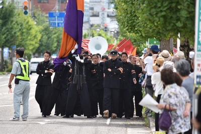市内パレード.JPG