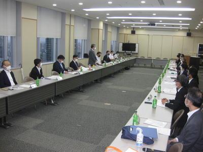 大学常任参与と運営委員との懇談会報告